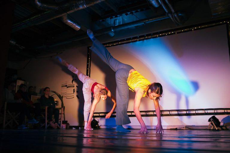 DansBlok @ Red Carpet Lounge - Amplitude - Rosa Allessie en Paola Ghidini ©Kim Doeleman