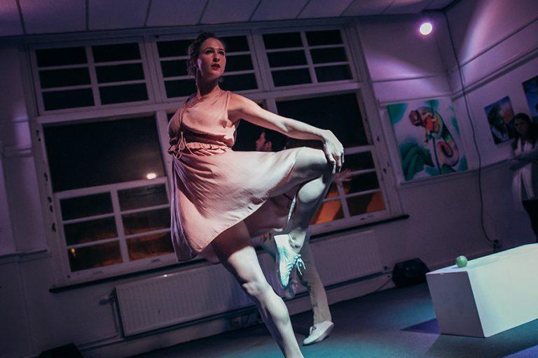 DansBlok @ Old School - Statua Viva - Rosa Allessie en Jamie de Groot ©Kim Doeleman